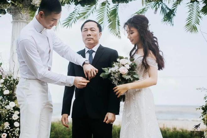 Con gái Bầu Đệ sinh con đầu lòng cho Nam vương Nguyễn Văn Sơn-3