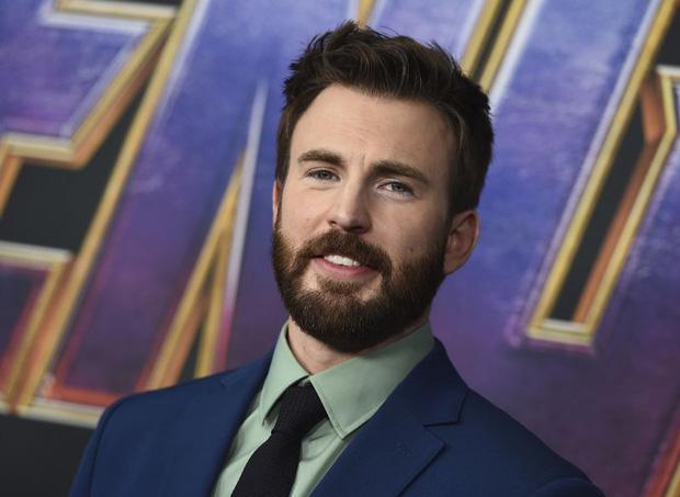 Nóng: Captain Chris Evans lỡ tay đăng ảnh bộ phận nhạy cảm lên Instagram, tài tử Hulk và dàn sao Hollywood tranh cãi nảy lửa-4