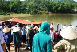 Đi tắm hồ, 5 trẻ em miền Tây đuối nước thương tâm