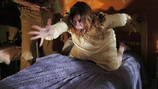 Những bộ phim kinh dị về đề tài ác quỷ nhân danh người nhà-4
