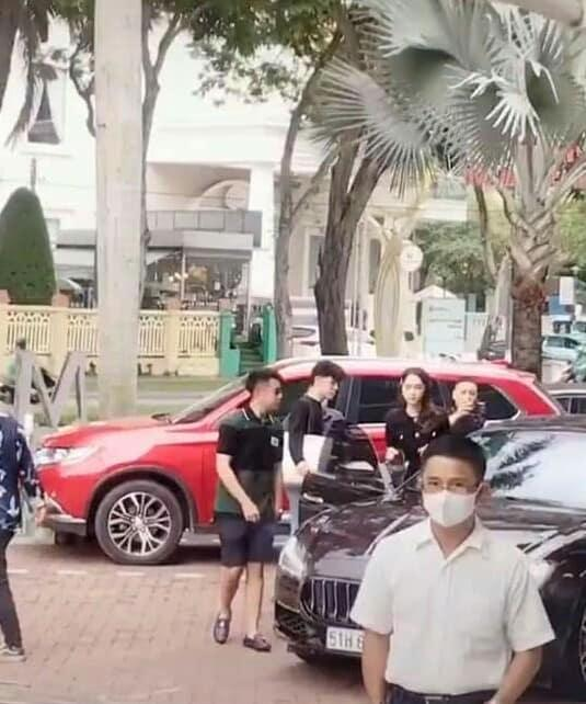 Lộ hậu trường Matt Liu mua xe 8 tỷ tặng Hương Giang, dân mạng phát sốt vì quá ngọt ngào-3