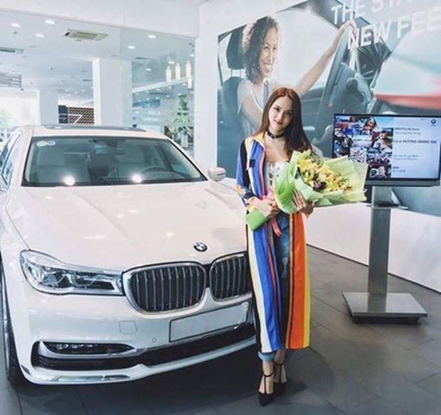 Choáng ngợp bộ sưu tập xe hơi vài chục tỷ của Hương Giang ở tuổi 29-5