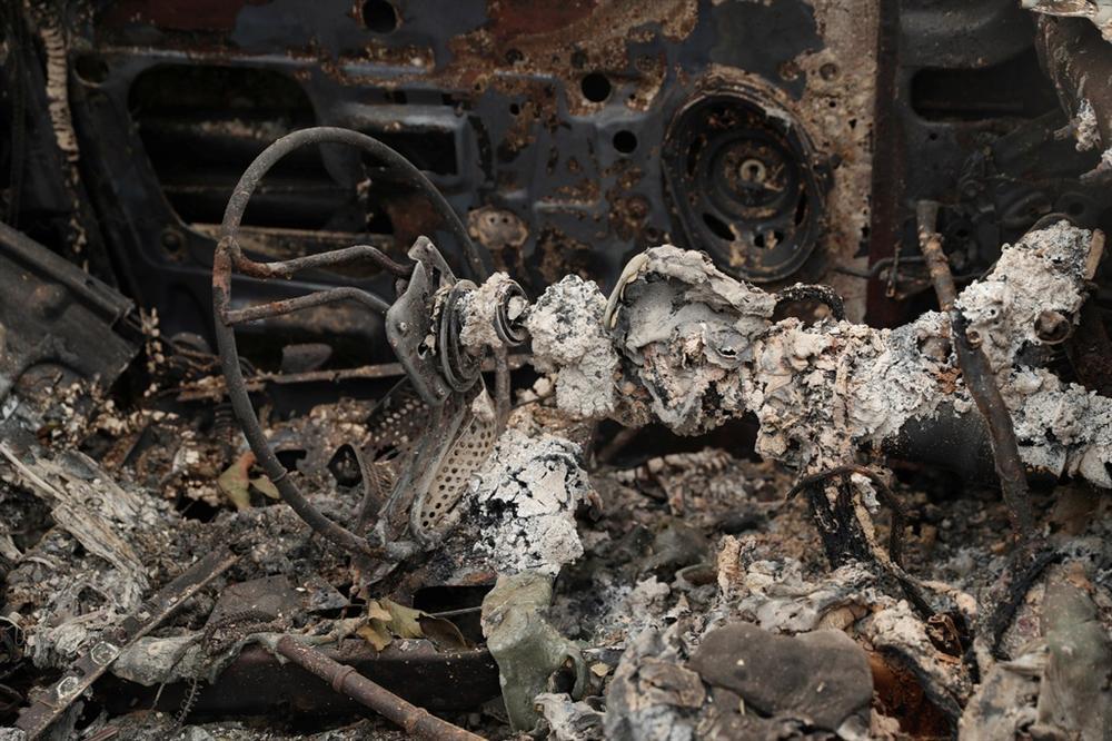 Khung cảnh hoang tàn như ngày tận thế sau cháy rừng Bờ Tây nước Mỹ-6