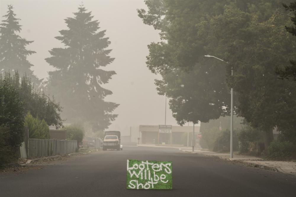 Khung cảnh hoang tàn như ngày tận thế sau cháy rừng Bờ Tây nước Mỹ-7