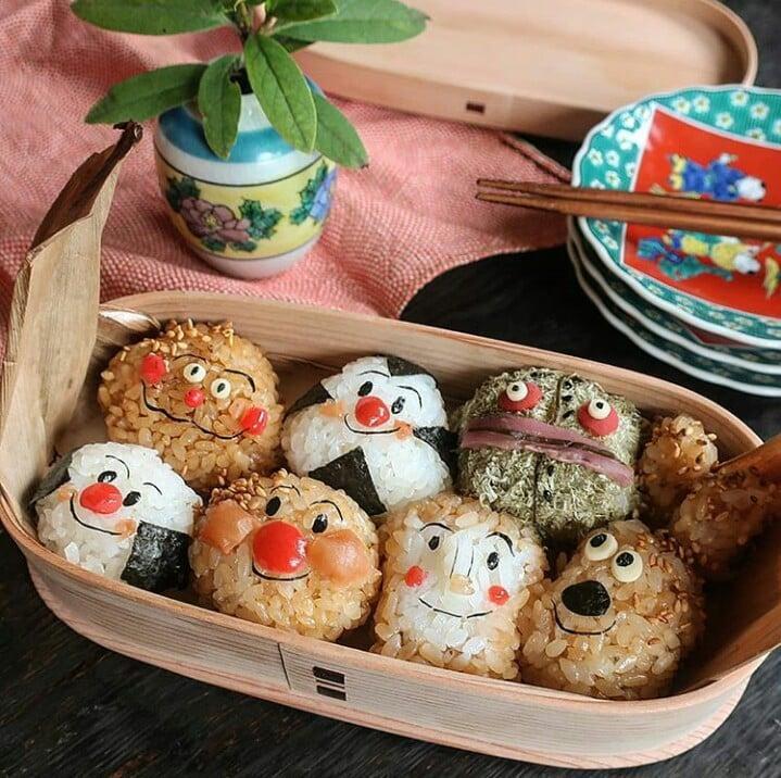 Bà mẹ Nhật Bản nổi khắp cõi mạng nhờ thích sáng tạo cơm hộp bento cho con-13