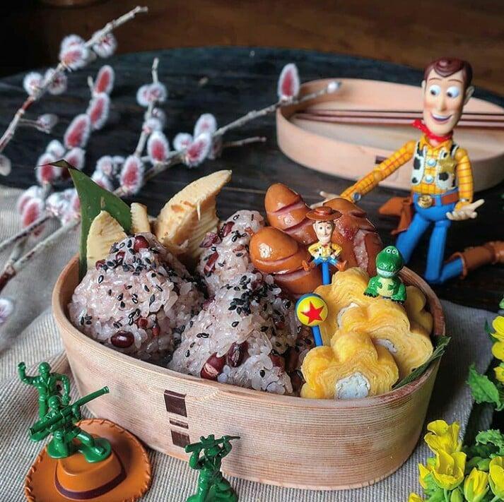 Bà mẹ Nhật Bản nổi khắp cõi mạng nhờ thích sáng tạo cơm hộp bento cho con-14