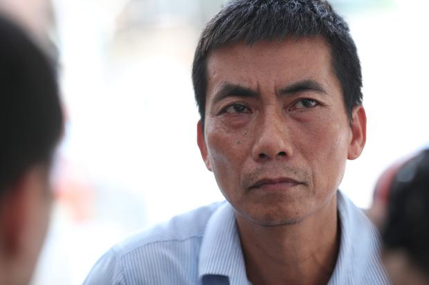 Cha đẻ chiến sĩ bị đâm tử vong khi đang làm nhiệm vụ: Không dám xem clip con bị đâm-3