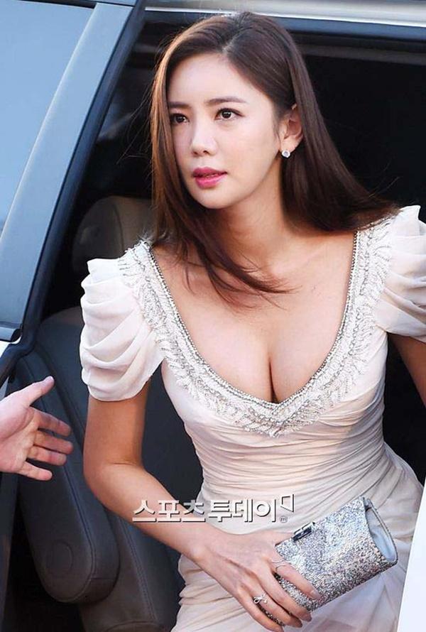 Đời bi kịch loạt nữ hoàng hở bạo Hàn Quốc: 2 vụ tự tử chấn động, Lee Tae Im phải giải nghệ vì chồng đại gia vào tù-13