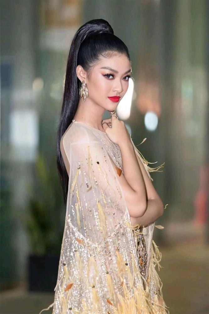 Á hậu Thế giới Việt Nam Kiều Loan bị chê sửa mặt như mấy bà bán kem trộn-11