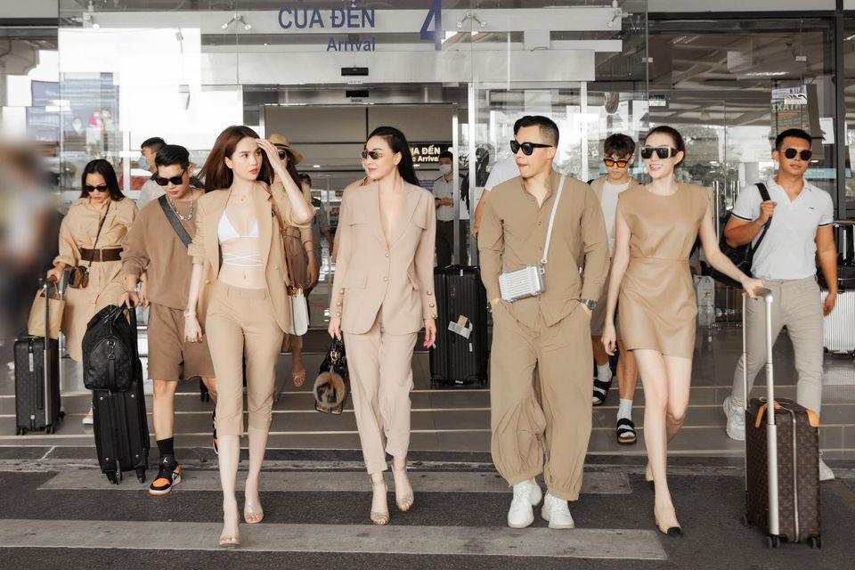Vũ Khắc Tiệp - Ngọc Trinh bị chỉ trích không đeo khẩu trang ở sân bay-1
