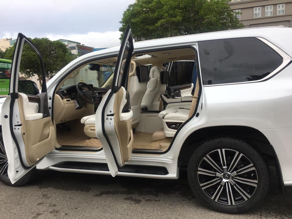 Lexus 570 trong vụ đánh ghen phố Lý Nam Đế có gì mà Tuesday mê man đến vậy?-5