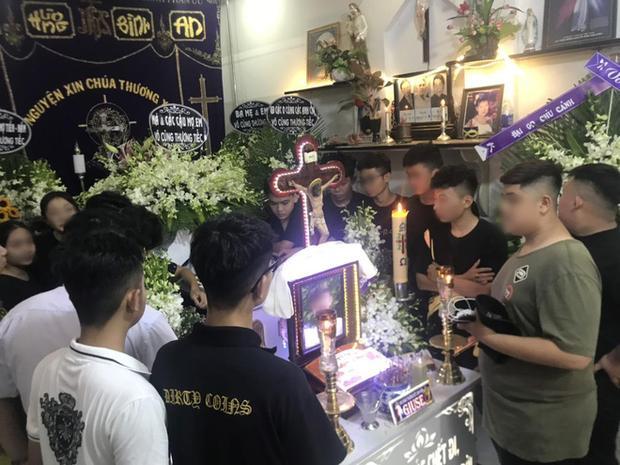 Nam sinh 17 tuổi ở Sài Gòn bị đâm tử vong trong lúc uống trà sữa-4