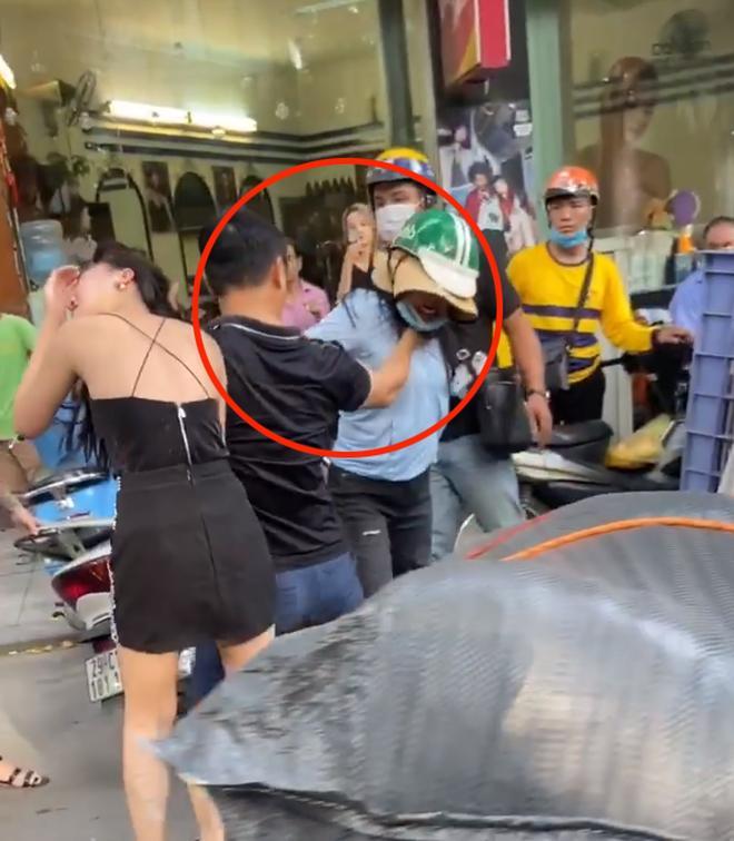 Huỳnh Lập giả gái cà khịa tiểu tam trong vụ đánh ghen trên phố Lý Nam Đế-1