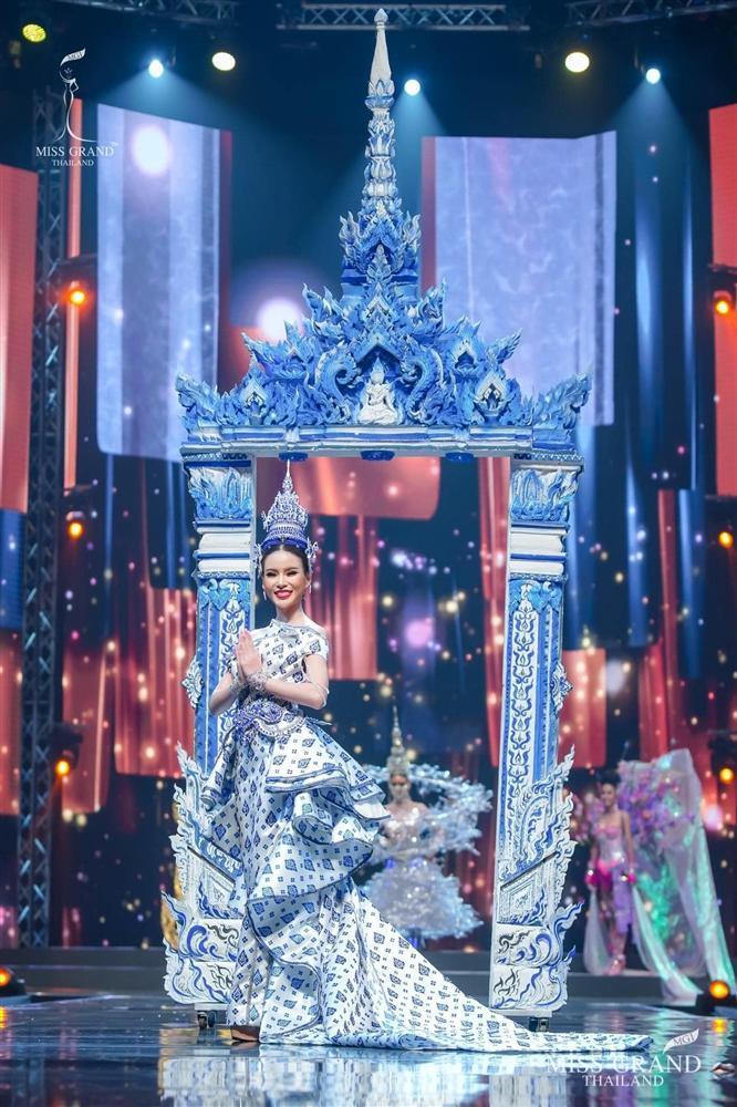 Ngả mũ loạt quốc phục Miss Grand Thailand, cách fan Việt đặt tên mới hại não-4