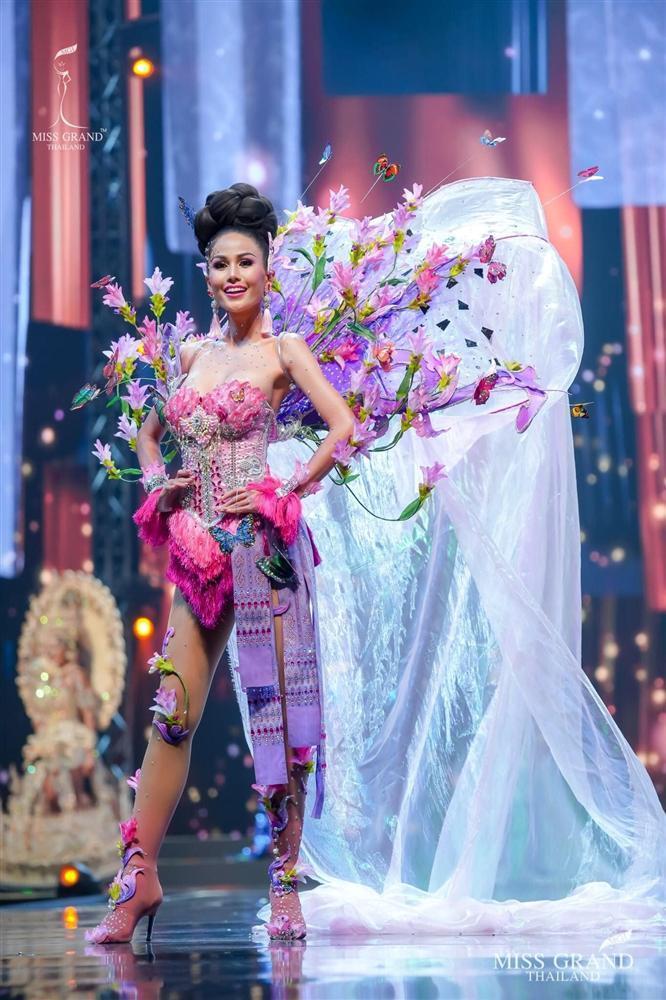 Ngả mũ loạt quốc phục Miss Grand Thailand, cách fan Việt đặt tên mới hại não-5