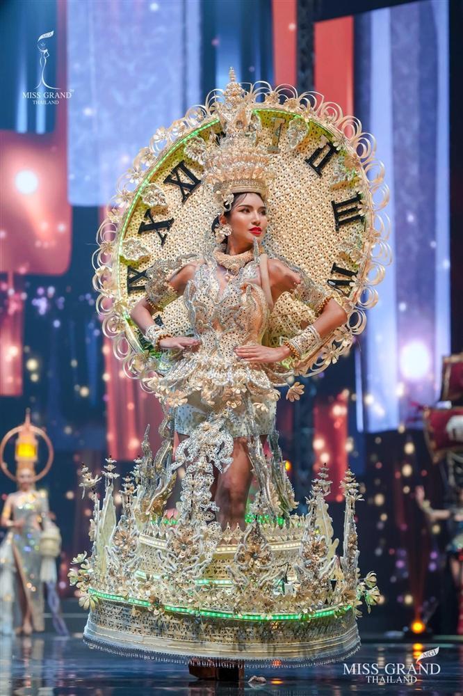 Ngả mũ loạt quốc phục Miss Grand Thailand, cách fan Việt đặt tên mới hại não-6