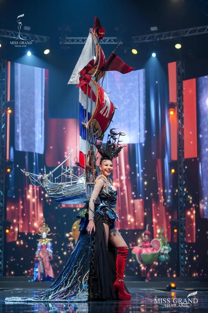 Ngả mũ loạt quốc phục Miss Grand Thailand, cách fan Việt đặt tên mới hại não-8