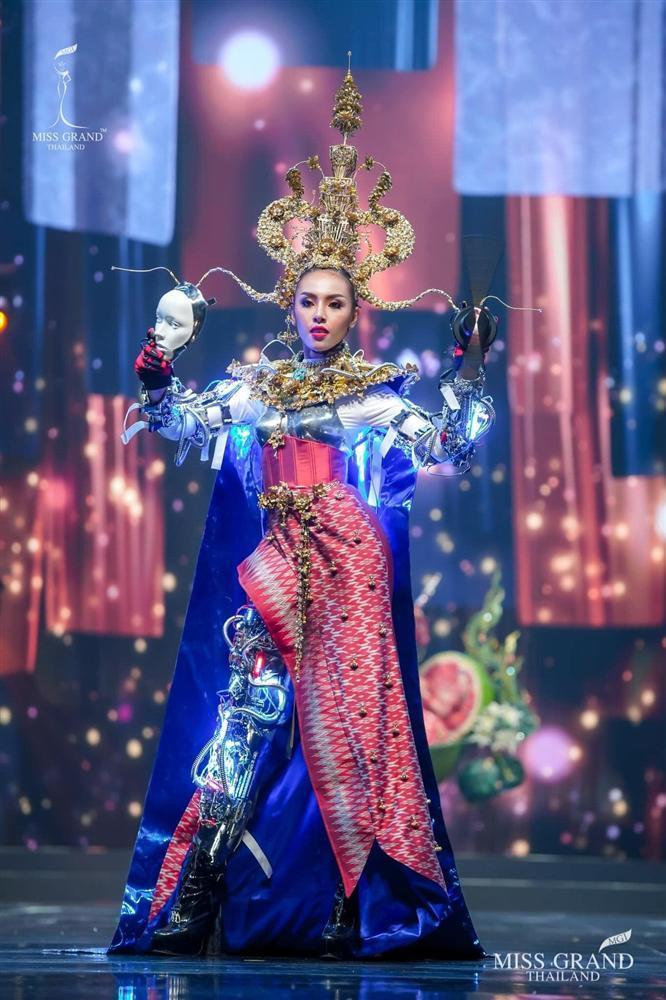 Ngả mũ loạt quốc phục Miss Grand Thailand, cách fan Việt đặt tên mới hại não-9