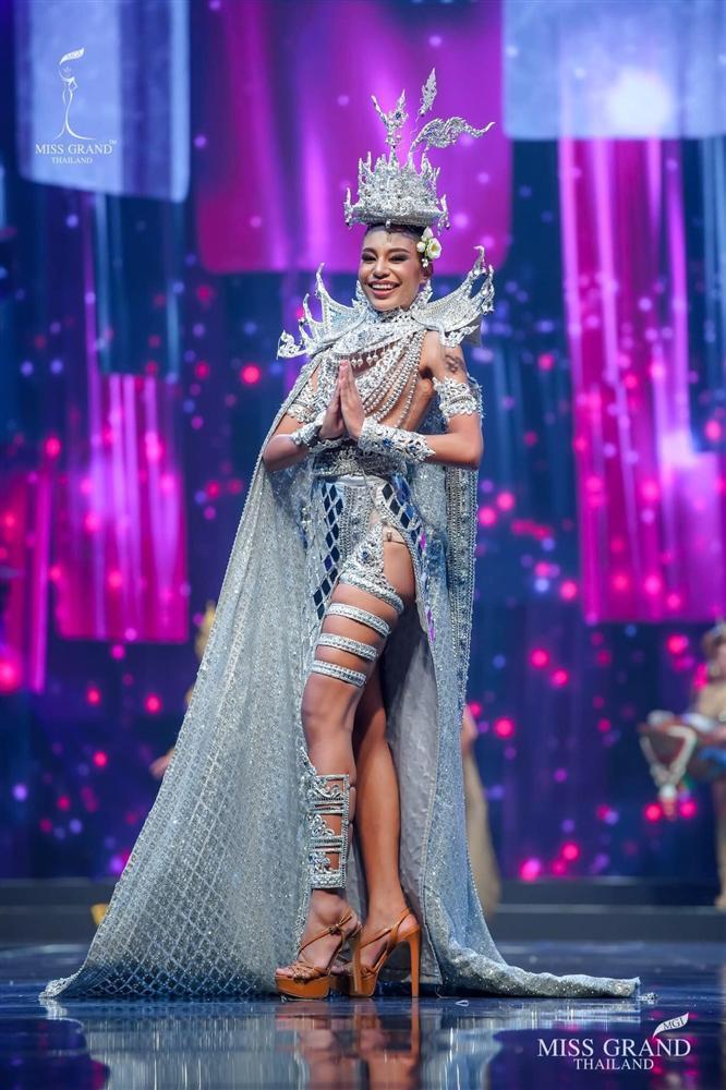 Ngả mũ loạt quốc phục Miss Grand Thailand, cách fan Việt đặt tên mới hại não-10