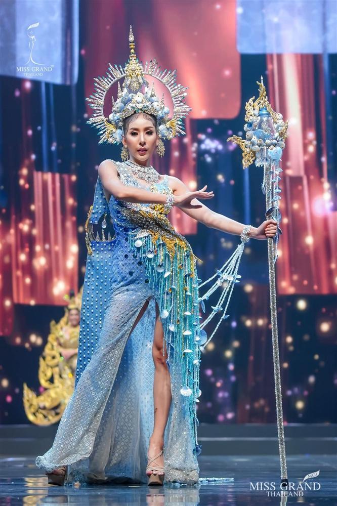 Ngả mũ loạt quốc phục Miss Grand Thailand, cách fan Việt đặt tên mới hại não-11