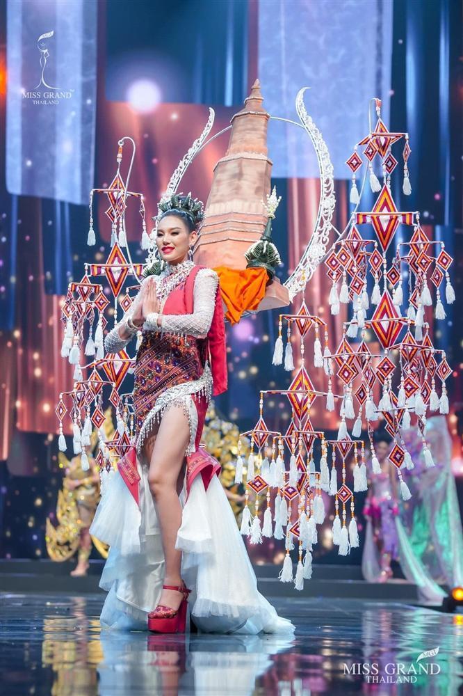 Ngả mũ loạt quốc phục Miss Grand Thailand, cách fan Việt đặt tên mới hại não-12