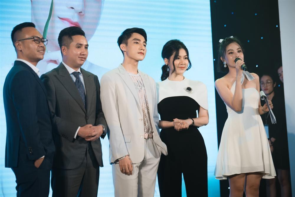 Ca sĩ Sơn Tùng M-TP thành đại sứ thương hiệu mặt nạ sợi tre M-LAB-3