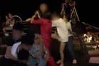 Người phụ nữ bị đánh ghen, lột đồ trong quán cà phê là nhân viên trường học