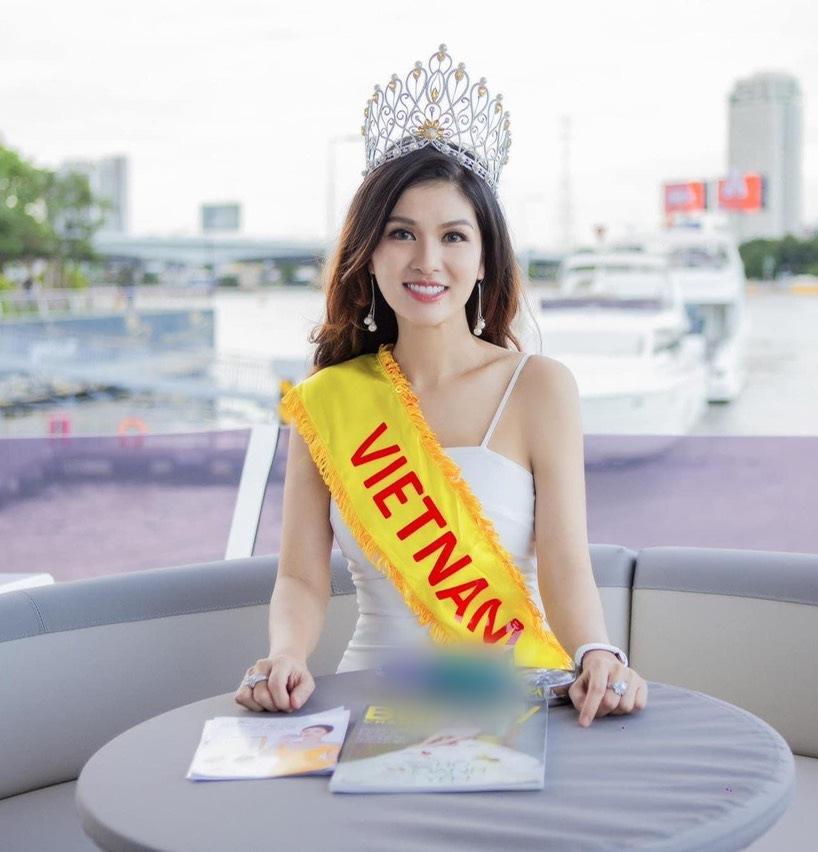 Đẻ liên tiếp 6 lần, Hoa hậu được tặng nhà 100 tỷ gây hoảng với ảnh sạm da, xuề xòa-1