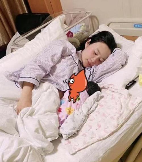 Đạo diễn 69 tuổi Trương Kỷ Trung khoe con gái mới chào đời-2