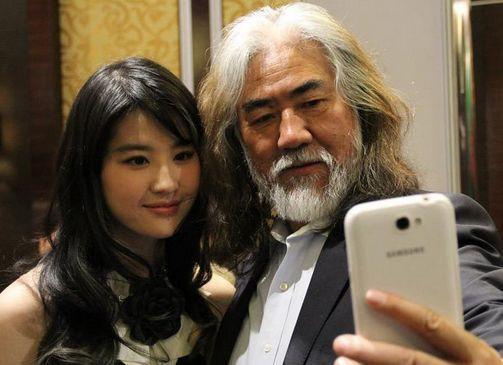 Đạo diễn 69 tuổi Trương Kỷ Trung khoe con gái mới chào đời-6