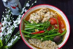 Food Blogger Liên Ròm bày cách nấu canh bún chay mà không cần đậu hũ, ngon bất ngờ!