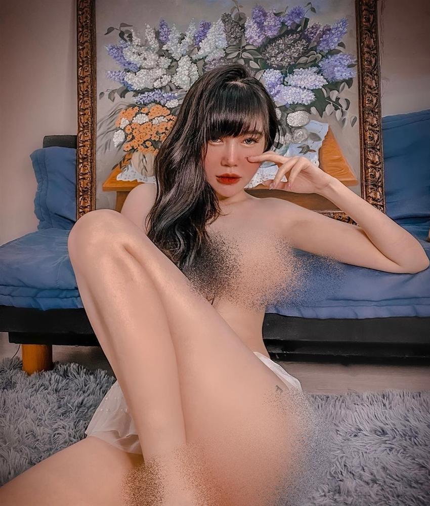 Bộ ba người đẹp Việt thường xuyên khủng bố mạng xã hội bằng ảnh khoe thân-14