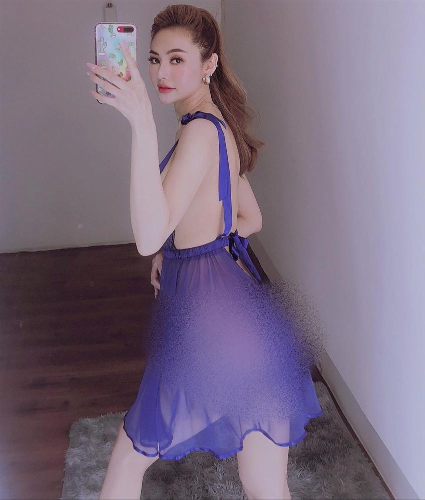 Bộ ba người đẹp Việt thường xuyên khủng bố mạng xã hội bằng ảnh khoe thân-3