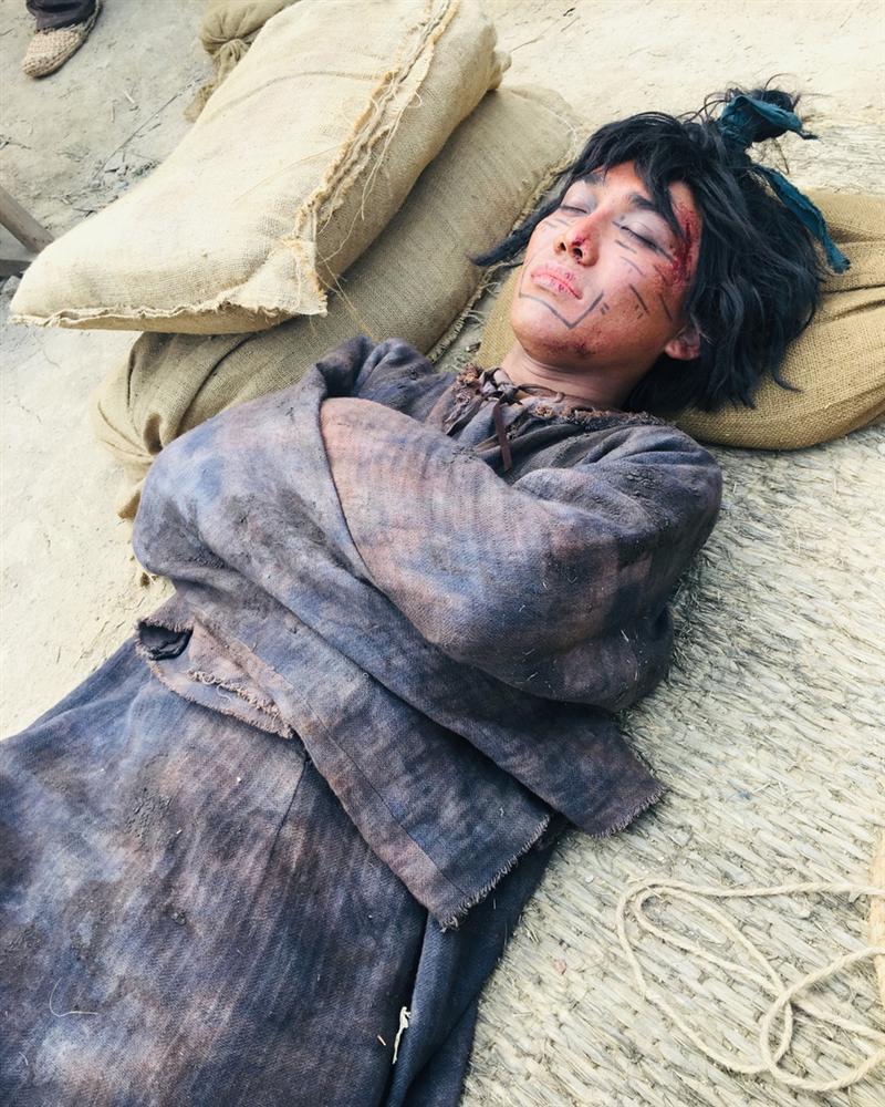 Chuyện của chàng trai Việt kiệt sức đóng một vai có thoại ở phim Hàn-4