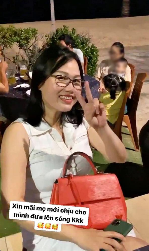 Bạn gái Quang Hải lần đầu khoe mẹ ruột, nhìn qua cứ ngỡ hai chị em-2