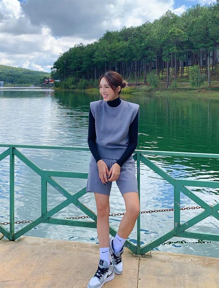 Lệ Quyên cưa sừng với đầm công chúa - Minh Triệu bất ngờ ngọt ngào với set đồ hồng-1