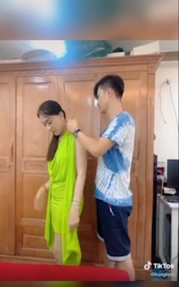 Chồng trẻ lóng ngóng tay chân khi mặc đồ cho Lâm Khánh Chi-5