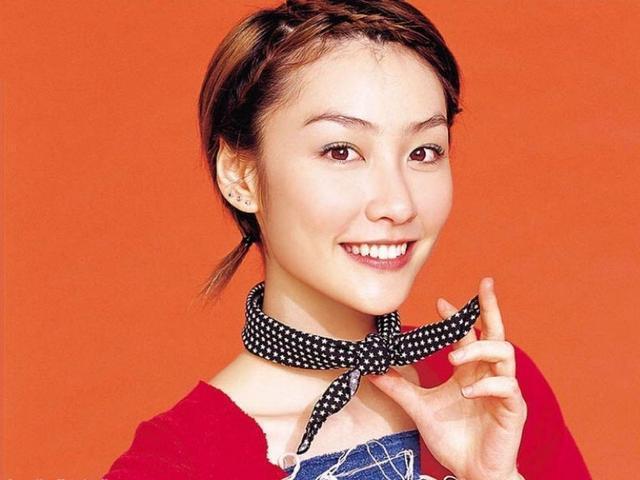 Loạt mỹ nhân dính ảnh nóng Trần Quán Hy: Tình duyên khổ ải, xuống tóc đi tu-7