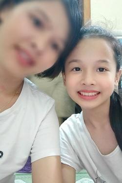 Hà Nội: Con gái 11 tuổi mất tích lúc 12 giờ đêm, trích camera thấy 1 thanh niên lạ đến đón đi