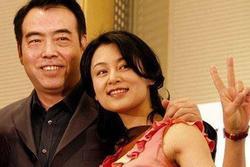 Mỹ nhân đẹp khuynh thành cãi mẹ lấy chồng xấu xí, 20 năm sau ai cũng ngỡ ngàng