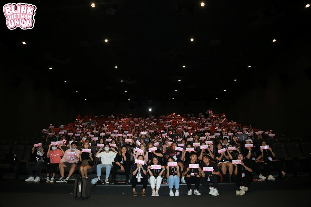 Bản tin fan club: Blinks Việt mừng sinh nhật BLACKPINK, Đóm quảng bá MV Jack trên bus-2