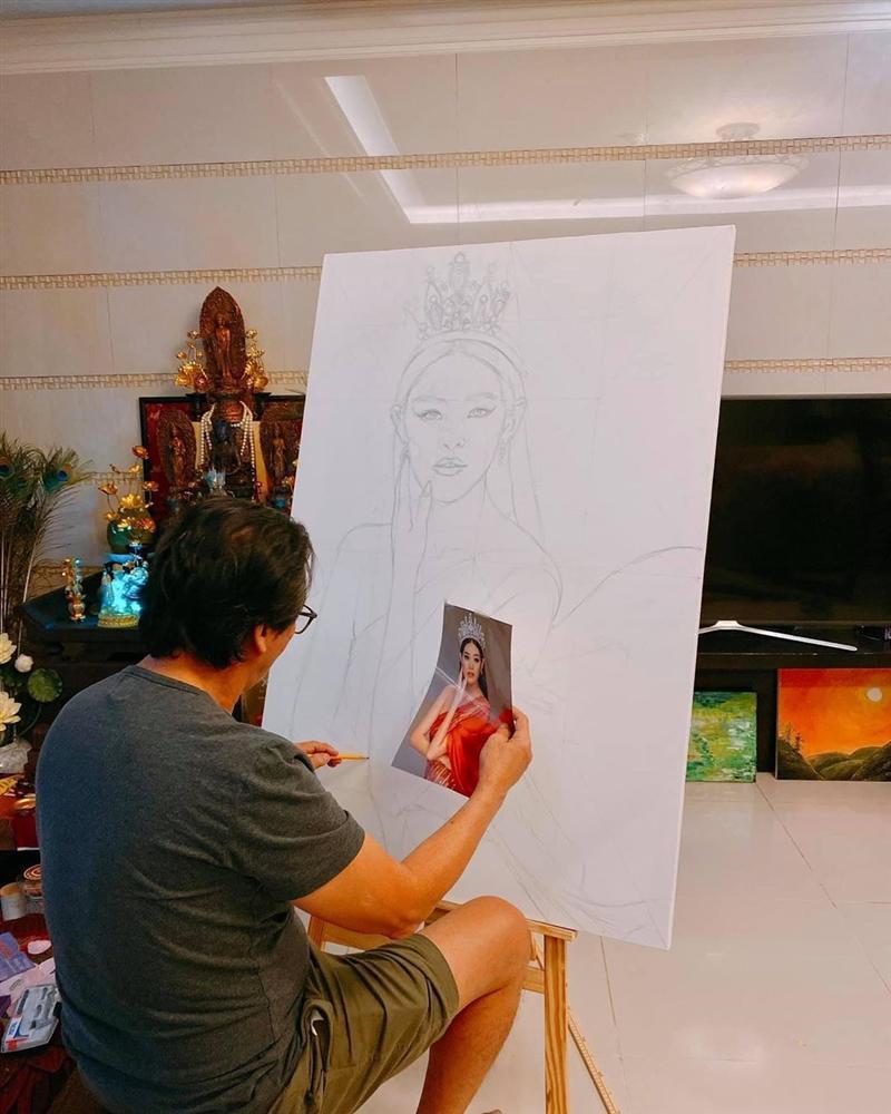 Bố hoa hậu Khánh Vân trổ tài vẽ con gái, kết quả khiến người xem bất ngờ-1