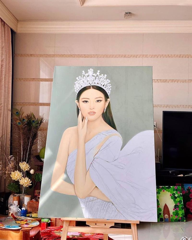 Bố hoa hậu Khánh Vân trổ tài vẽ con gái, kết quả khiến người xem bất ngờ-4