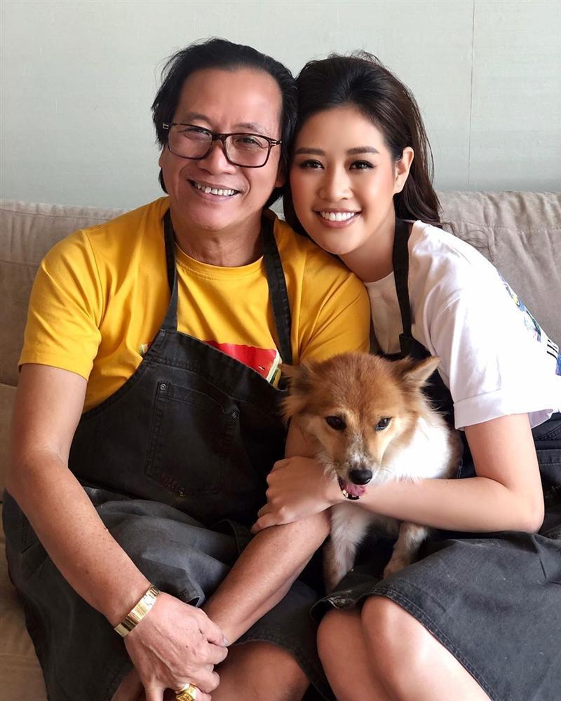 Bố hoa hậu Khánh Vân trổ tài vẽ con gái, kết quả khiến người xem bất ngờ-9