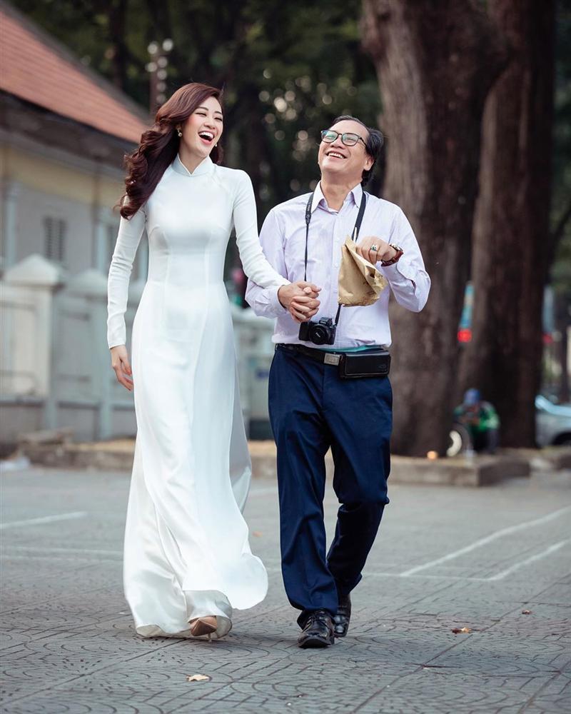 Bố hoa hậu Khánh Vân trổ tài vẽ con gái, kết quả khiến người xem bất ngờ-11