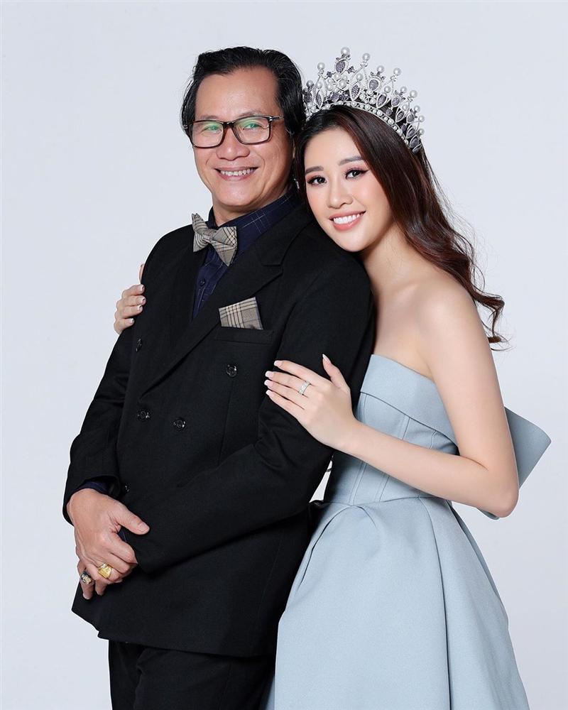 Bố hoa hậu Khánh Vân trổ tài vẽ con gái, kết quả khiến người xem bất ngờ-10
