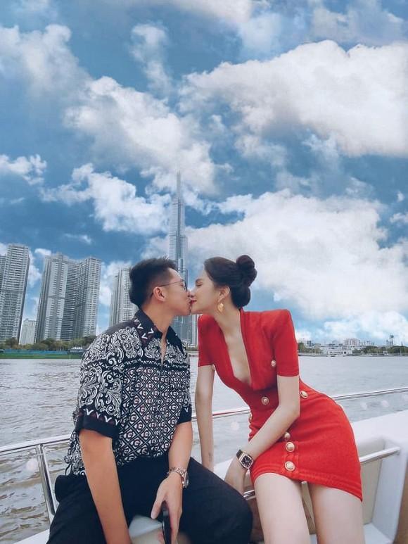 Bóc giá set đồ hiệu Hương Giang và Matt Liu dát lên người trong lần hẹn hò trên du thuyền-1
