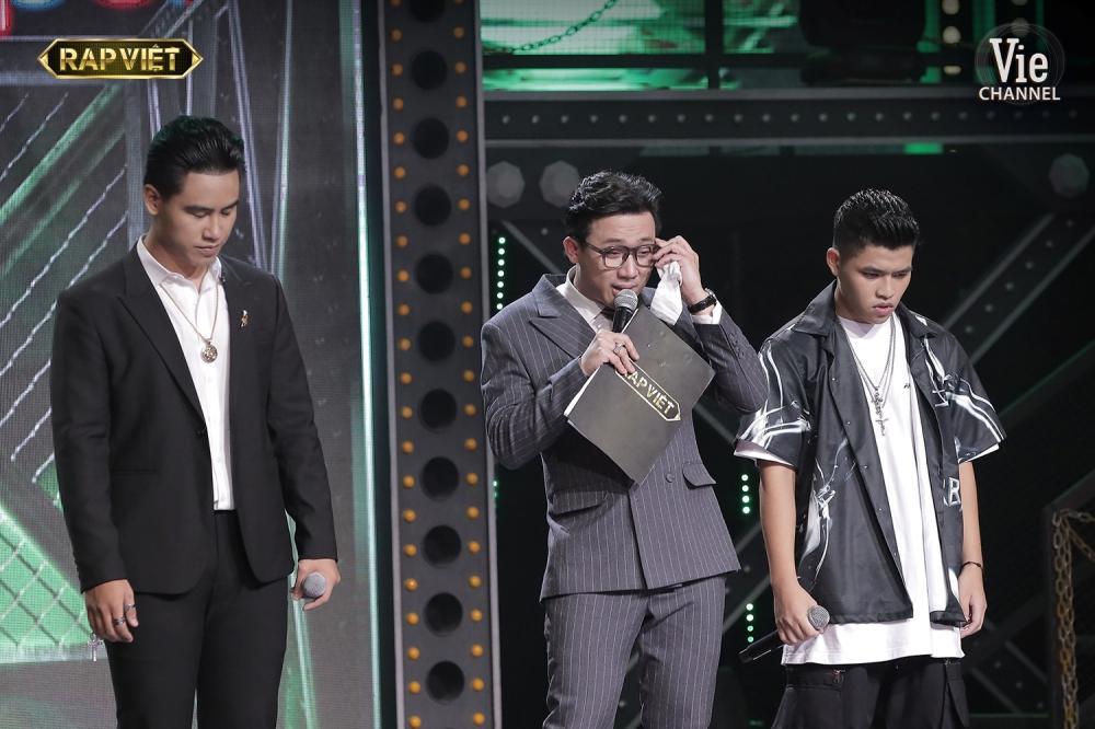 Khóc trên sân khấu Rap Việt, Trấn Thành khẳng định nước mắt tự rơi không cần diễn-3