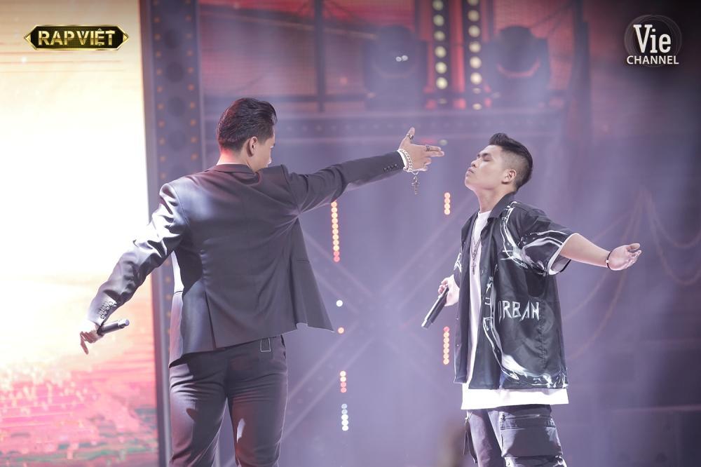 Khóc trên sân khấu Rap Việt, Trấn Thành khẳng định nước mắt tự rơi không cần diễn-6