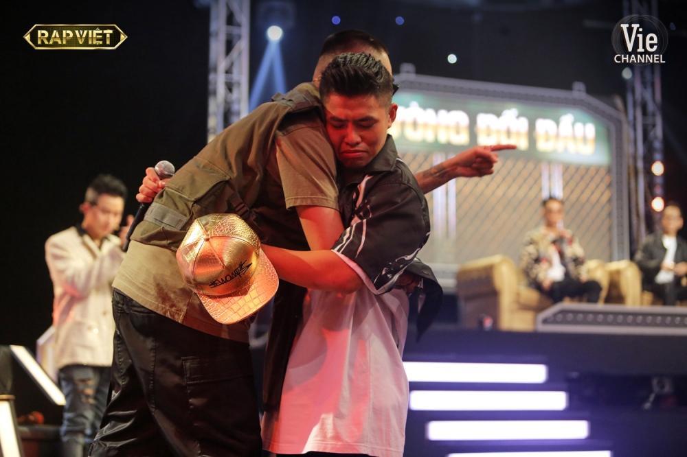 Khóc trên sân khấu Rap Việt, Trấn Thành khẳng định nước mắt tự rơi không cần diễn-7